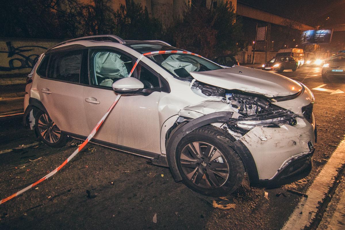 31 октября по адресу улица Набережно-Крещатицкая, 35 произошло ДТП с пострадавшими