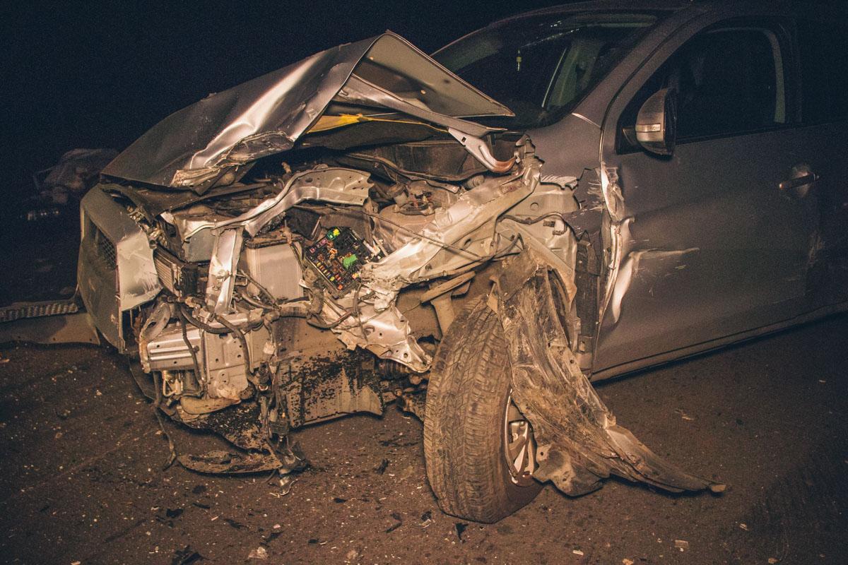 По словам водителя Mitsubishi, на его путь выехал велосипедист и он был вынужден вырулить на встречную полосу движения