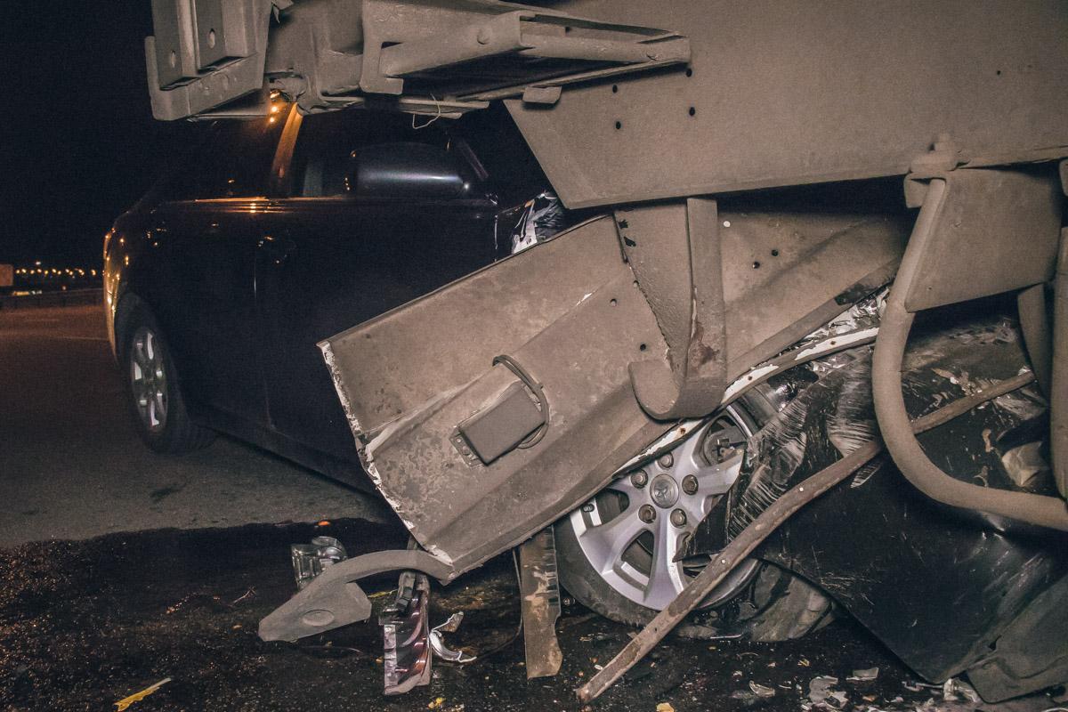 Почему водитель не заметил грузовик - неизвестно