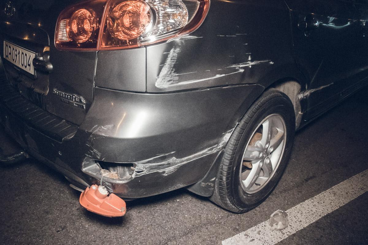 Hyundai Santafe врезался в отбойник