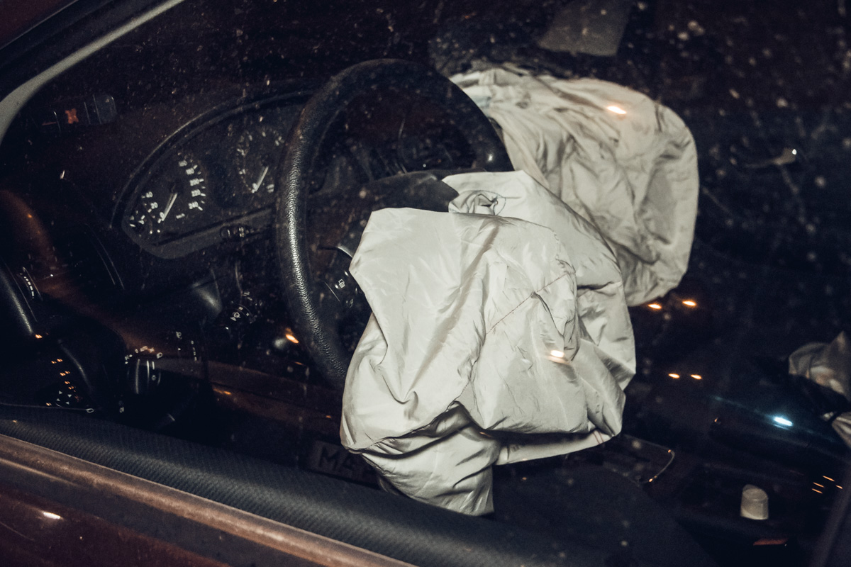 В автомобиле Mercedes находилась семья с двумя маленькими детьми, никто из них не пострадал