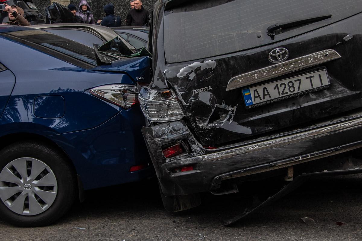 К медикам обратилось 5 участников аварии