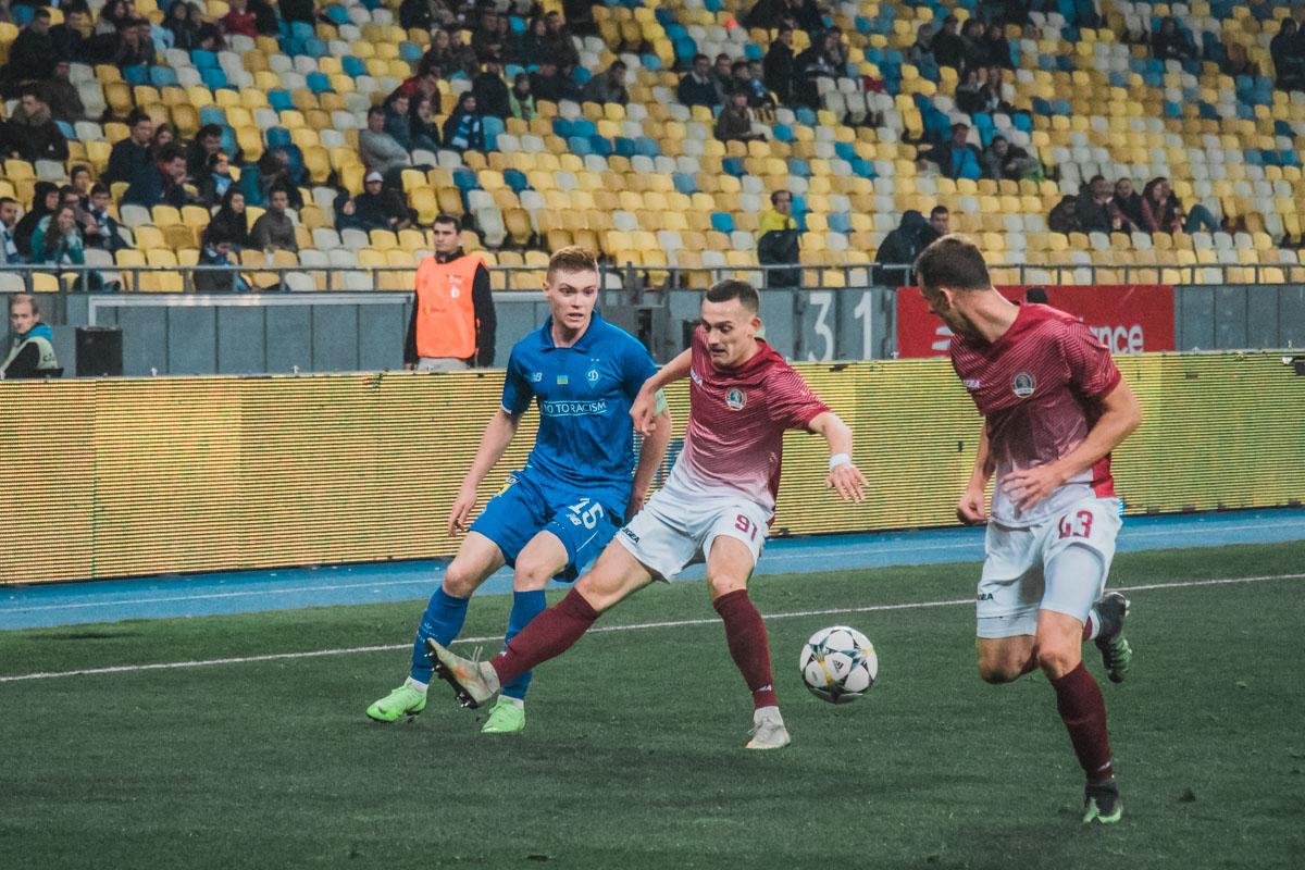 Виктор Цыганков сегодня также не отличился результативными действиями, которых от него все так ждали
