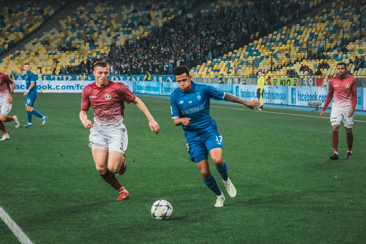 Матч запомнился зрителям большим количеством нереализованных голевых моментов в исполнении киевлян