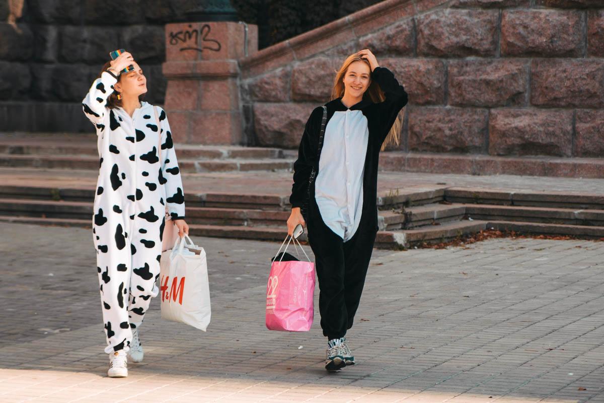 Когда в понедельник не нужно в школу, менять пижаму на другую одежду не обязательно
