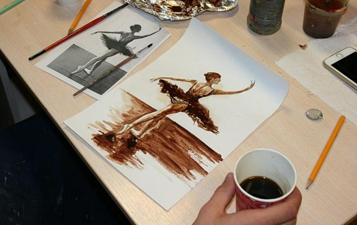 Кофейная живопись позволяет создавать шедевры и радовать себя ароматным напитком