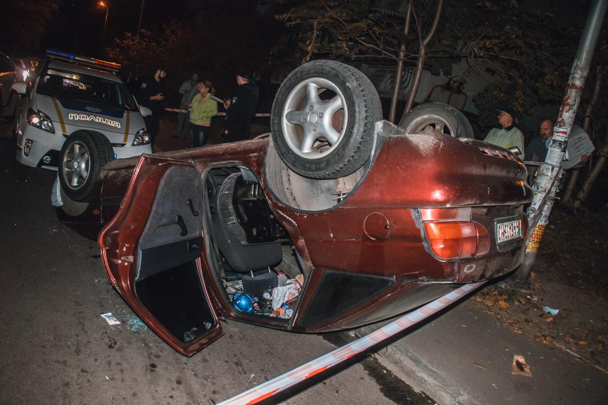 По словам местных жителей, водитель Ford не уходил от столкновения, он был пьян и ехал на большой скорости
