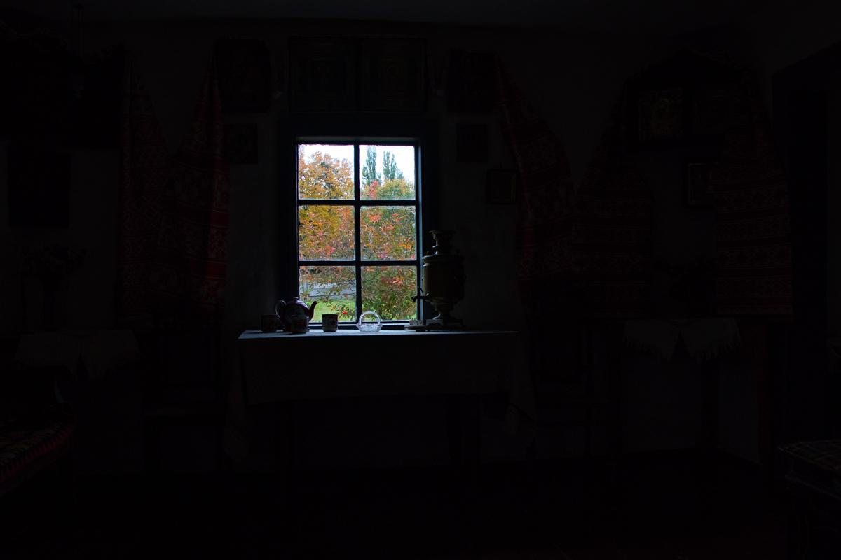 Рассмотреть красоту осень и полюбить ее сложно, но если присмотреться...