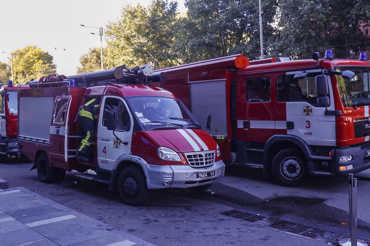 На вызов прибыли 5 машин спасателей