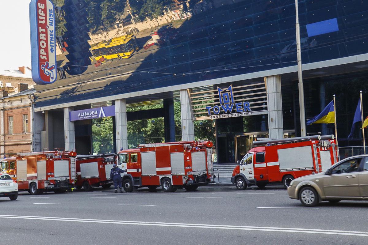 Предполагаемый пожар произошел на 7 этаже здания