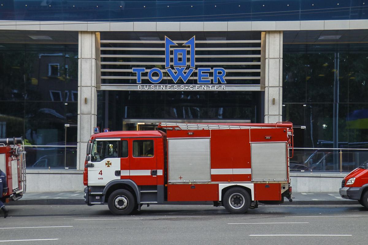 Людей из бизнес-центра эвакуировали из-за учебной тревоги