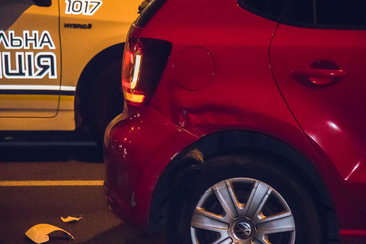 Предварительно, Prius обгонял Polo по правой полосе