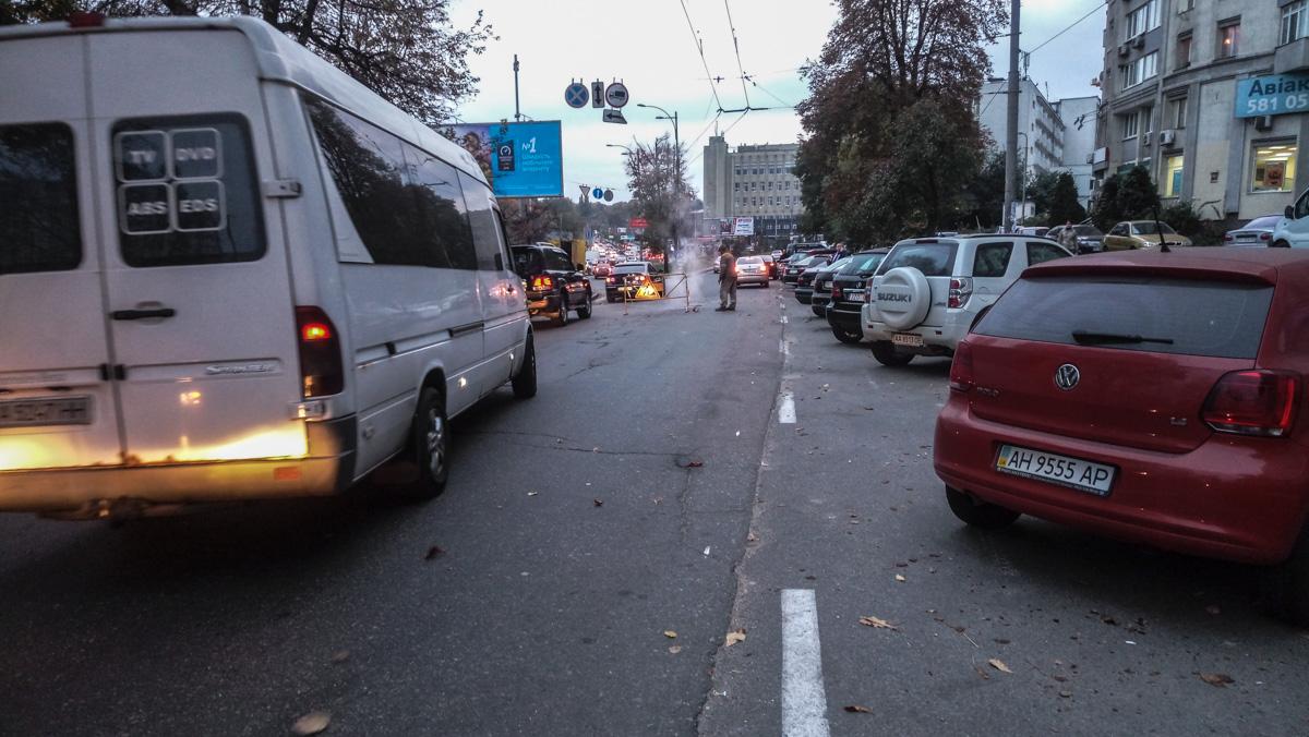 В Киеве перекрыли Голосеевский проспект
