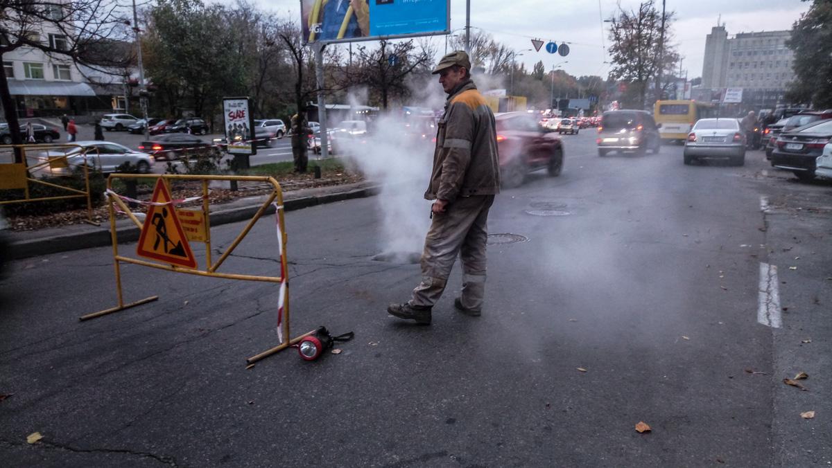 По Голосеевскому проспекту не ходят троллейбусы и автобусы