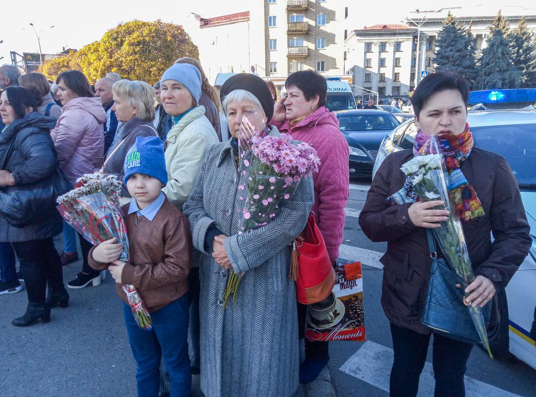 На церемонию прощания пришли все жители Житомира, кто знал и любил Марину