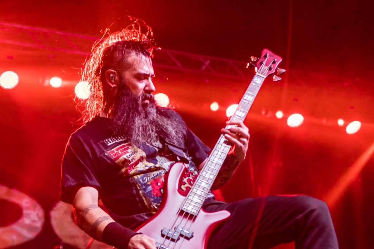 Джонни Чоу - басист Stone Sour
