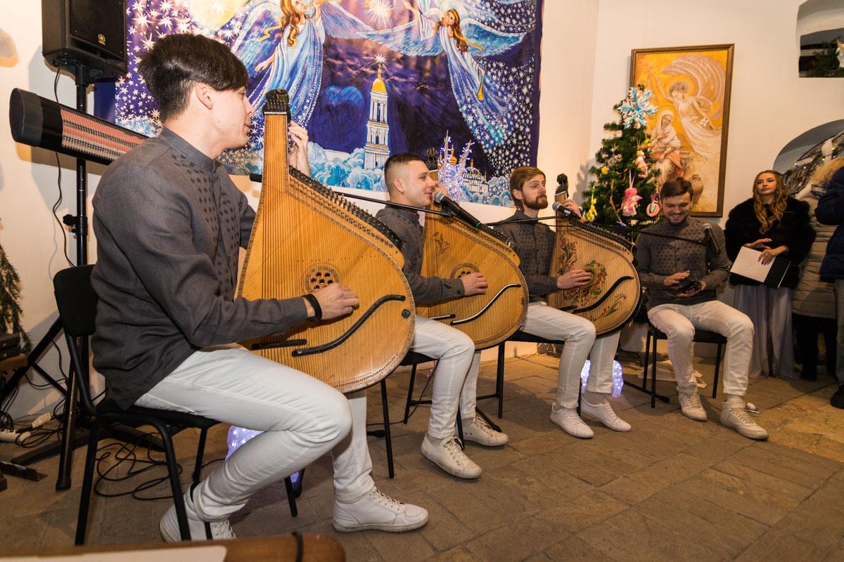 «Шпилясті кобзарі» создают атмосферу праздника