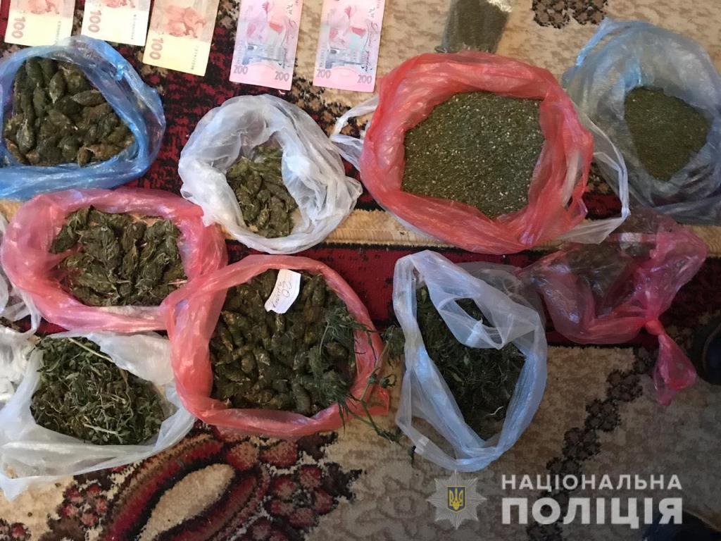 Наркодилеры сбывали большие партии элитной марихуаны
