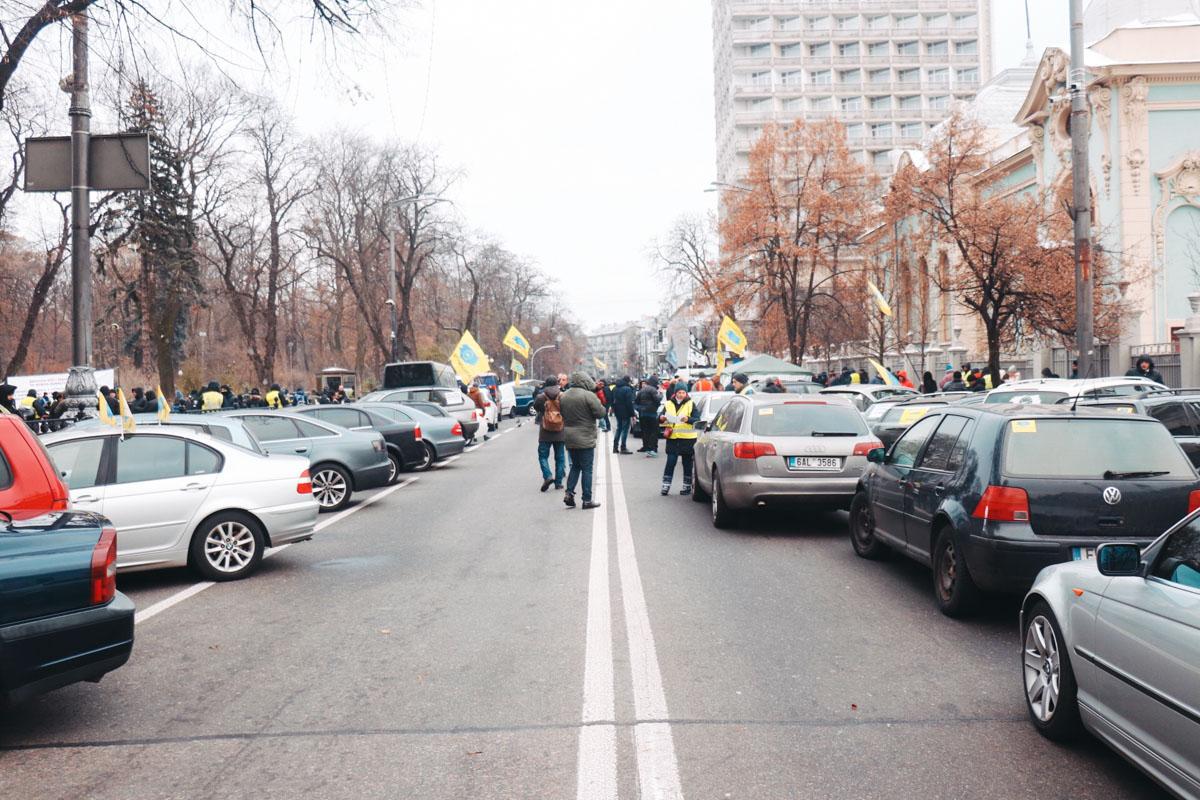 Улица Грушевского полностью перекрыта