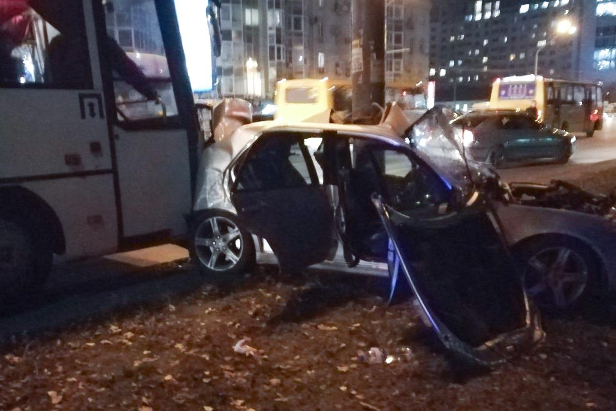 В Киеве по адресу проспект Победы, произошло ДТП с пострадавшим