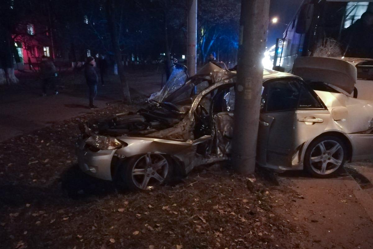 Водителя автомобиля вырезали из машины