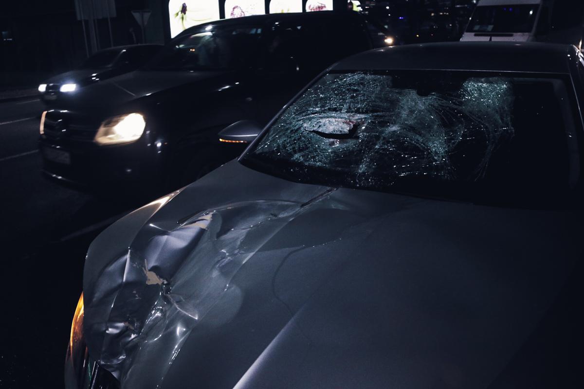 Автомобиль Skoda Superb сбил мужчину