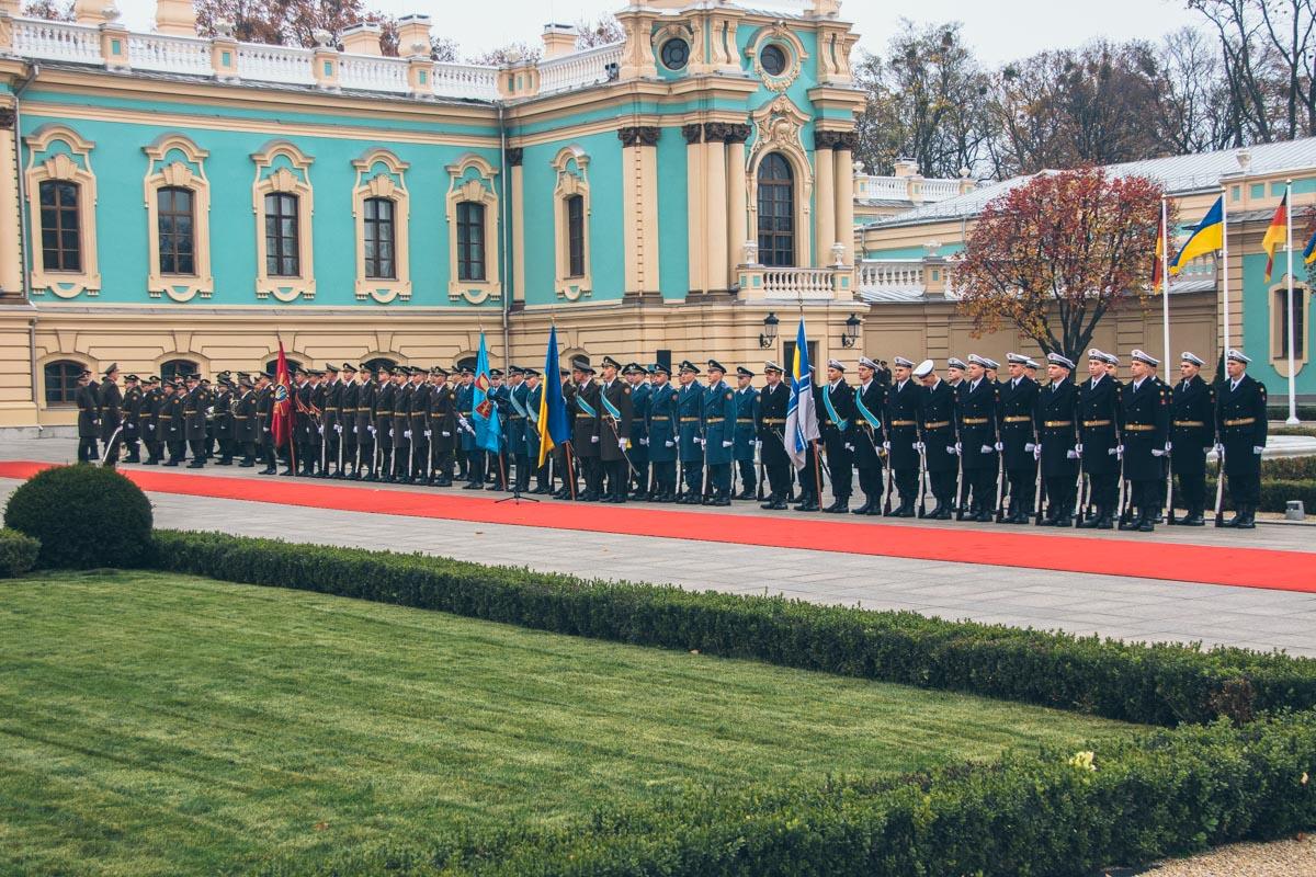 1 ноября в Киеве президент Украины Петр Порошенко встретился с канцлером Германии Ангелой Меркель