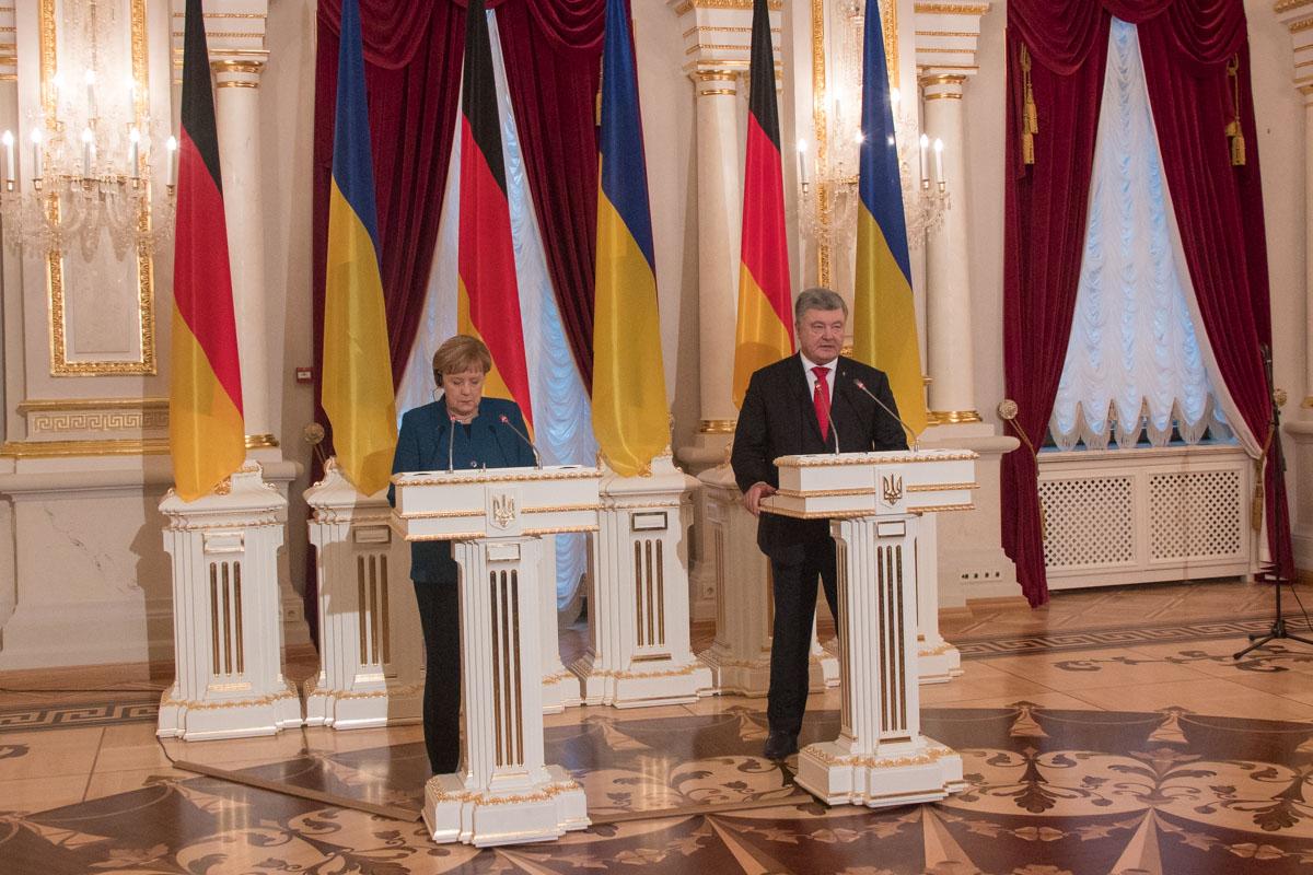 По окончании встречи президент и канцлер ответили на вопросы СМИ