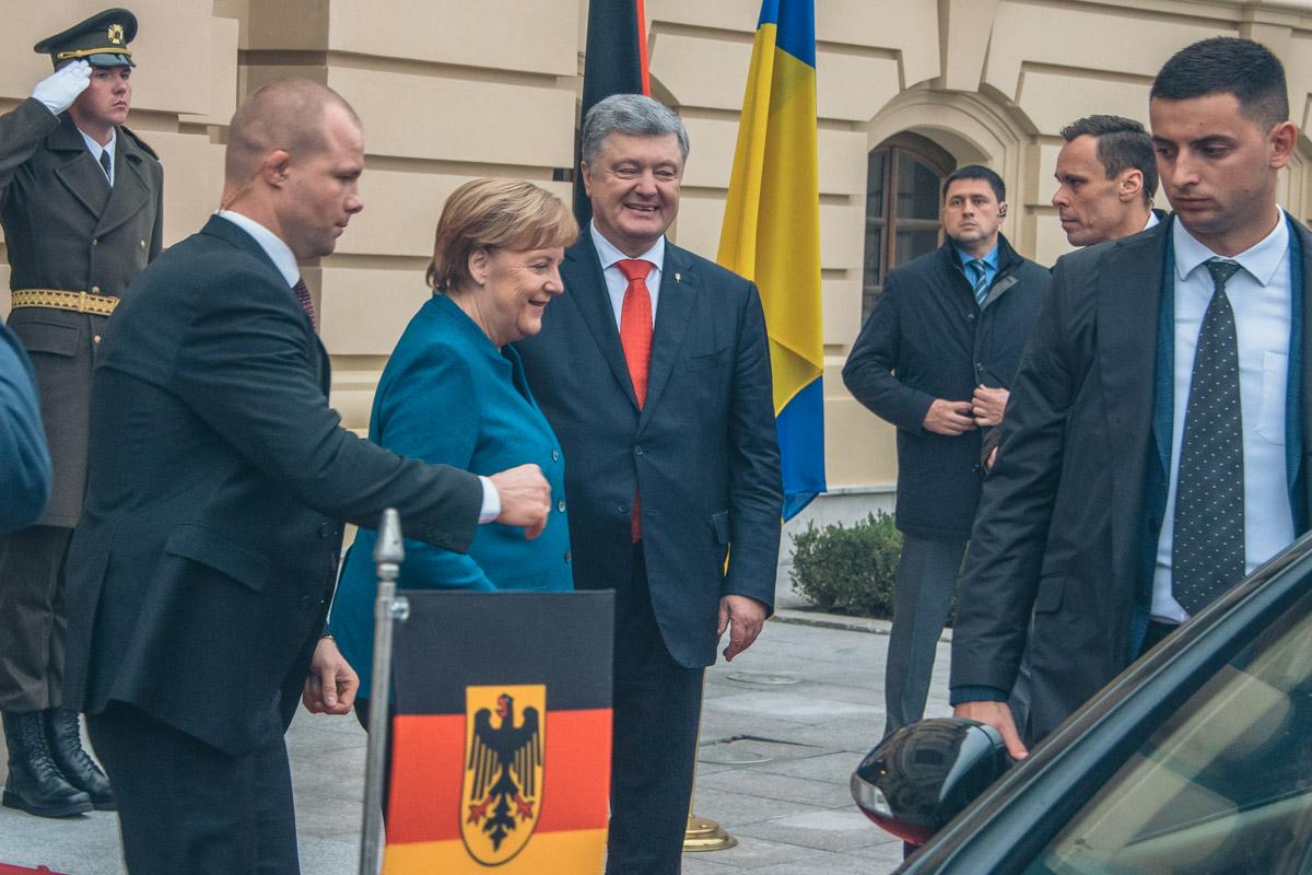 """Также Федеральный канцлер Германии отметила, что рассматривает проект """"Северный поток-2"""" не так критично, как Киев"""