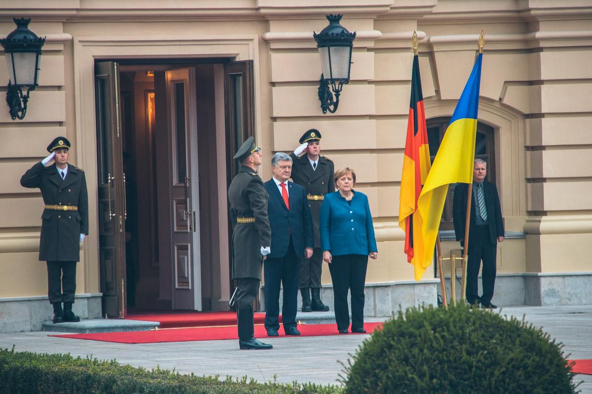 Встреча состоялась в рамках однодневного визита Ангелы Меркель в Украину