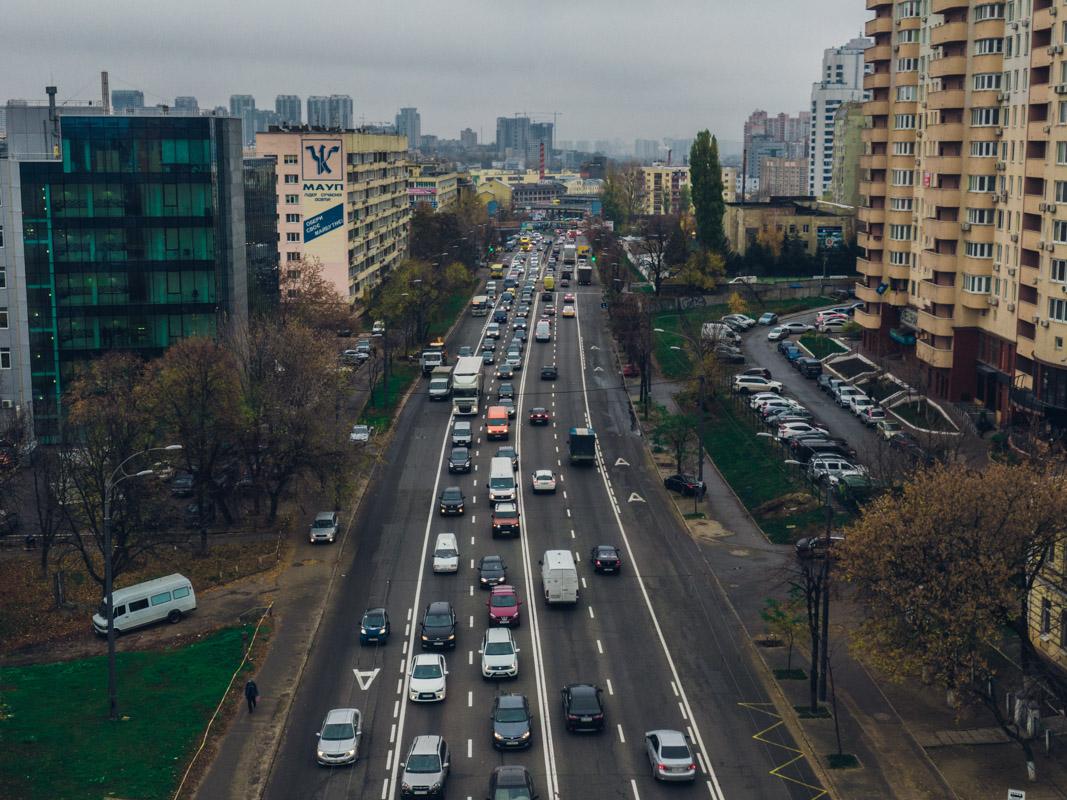 Из-за ДТП на Лобановского образовалась пробка