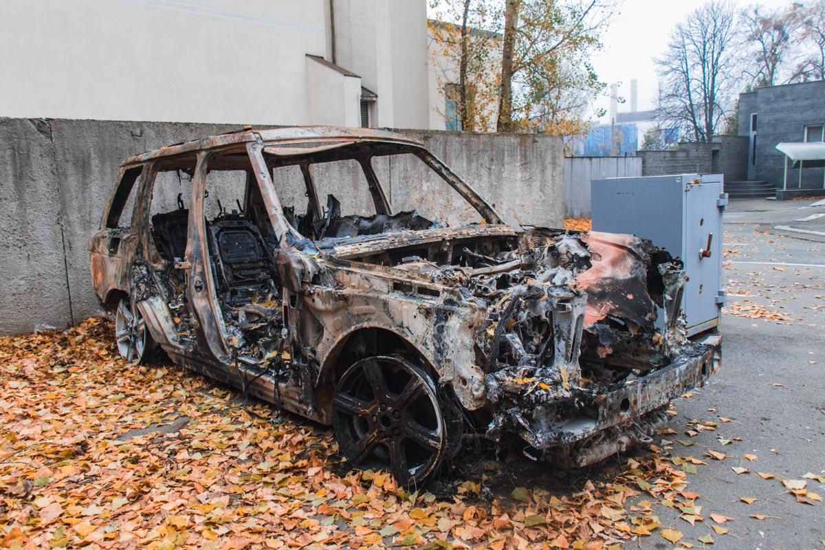 """До 20 ноября автомобиль стоял возле офиса """"Авто Евро Силы"""" в Киеве"""