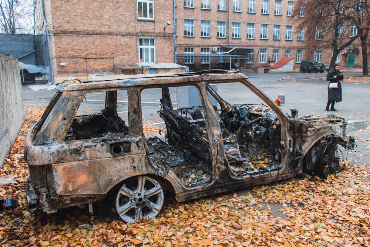 Олег Ярошевич сжег свой автомобиль в знак протеста