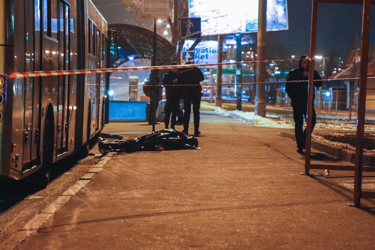 По одной из версий, причиной трагедии стала неисправная пневмосистема троллейбуса
