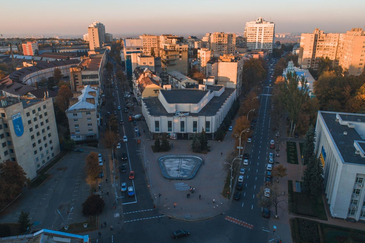 Кинотеатр находится на улице Московская 31/33
