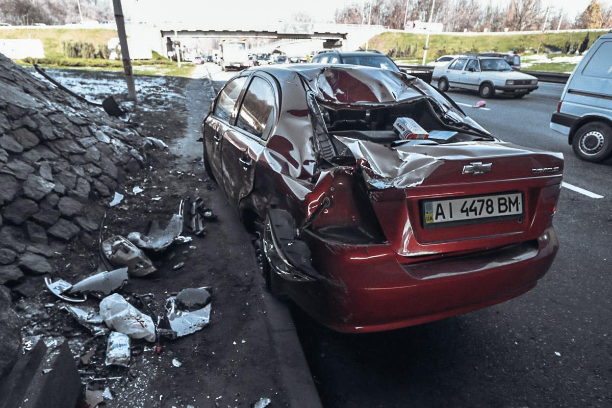 20 ноября около 11:45 на Набережном шоссе произошло ДТП