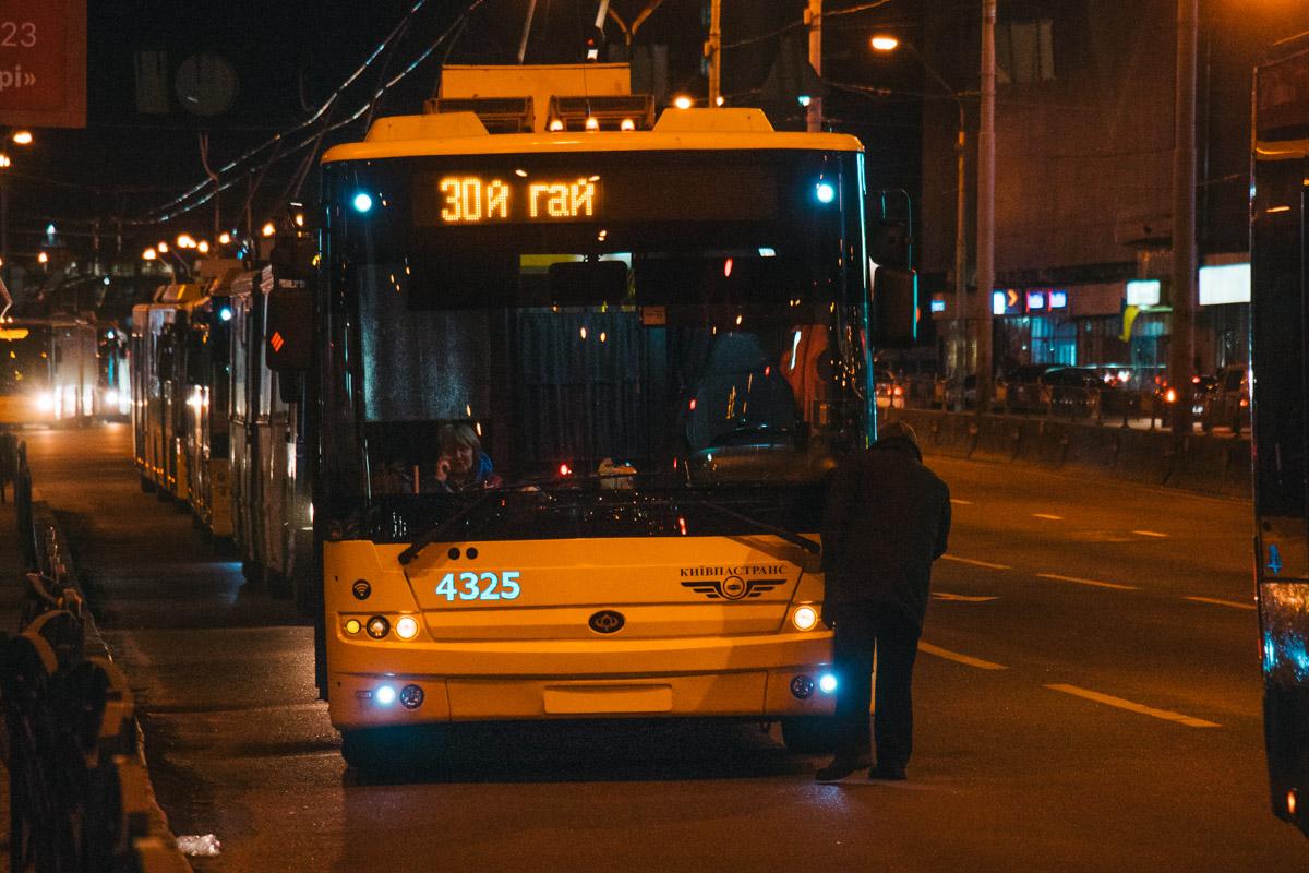 Вторая авария парализовала движение троллейбусов