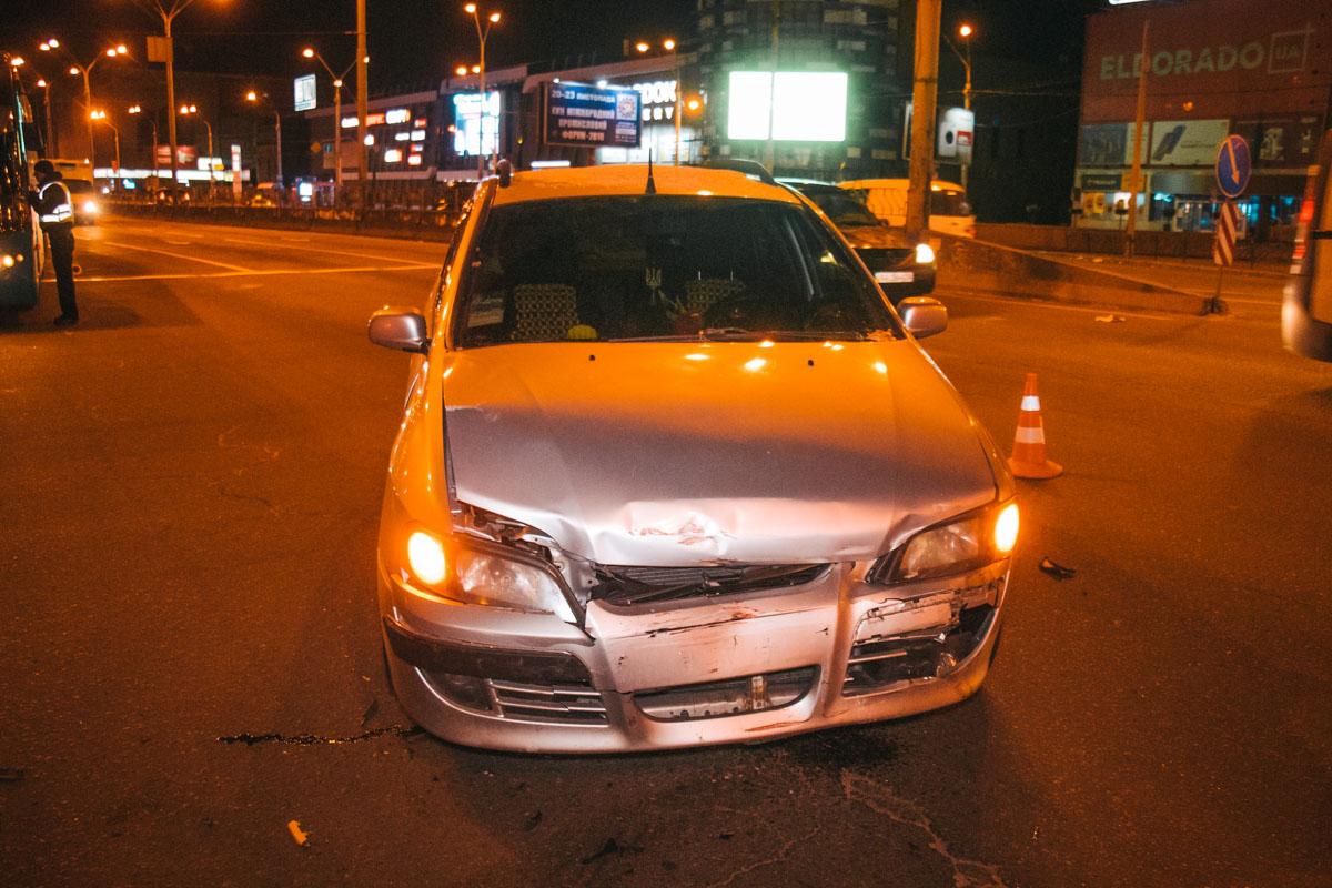 Водитель Lanos утверждает, что Mitsubishi ехал на красный свет