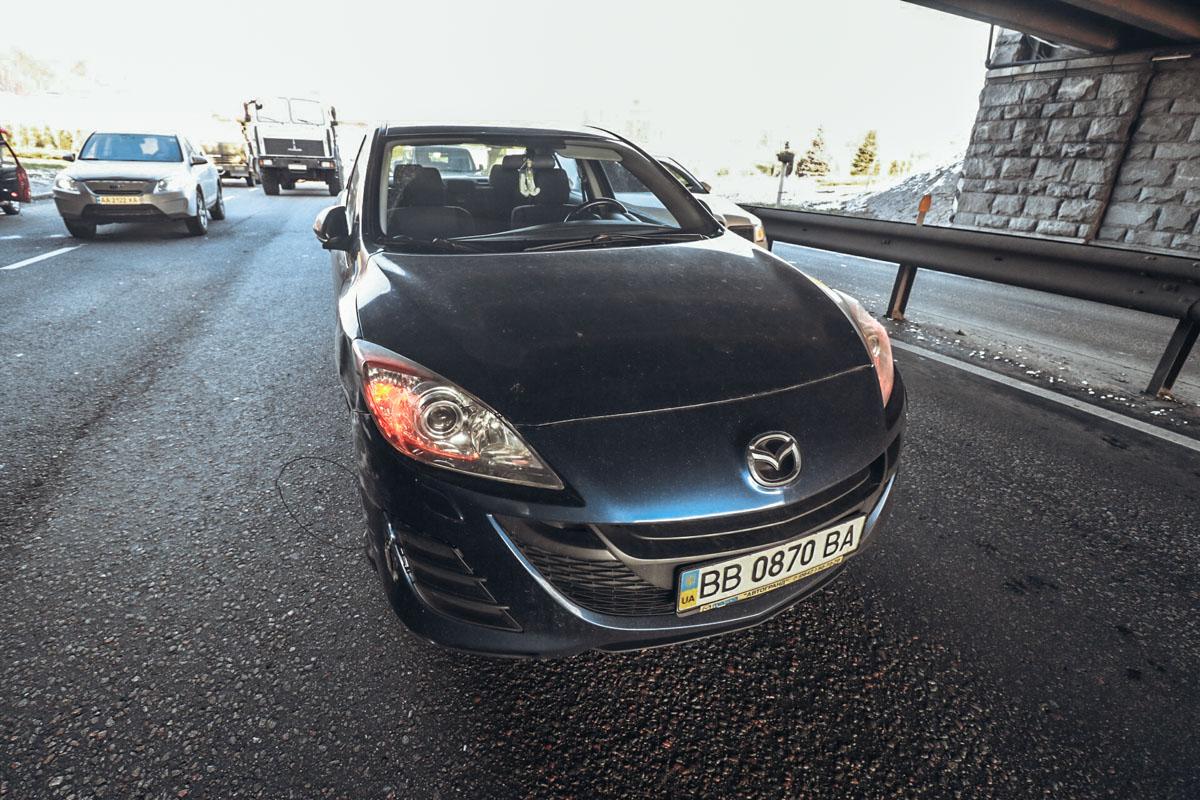 Chevrolet столкнулся с Mazda и вылетел в бетонную опору моста Патона