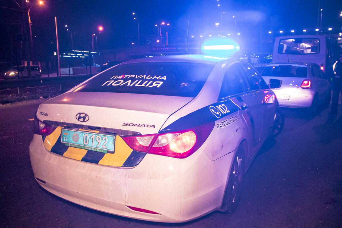 На месте работал экипаж патрульной полиции