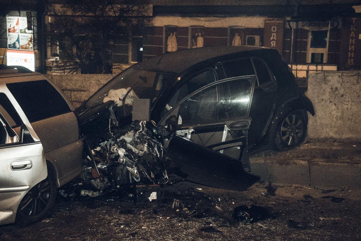 В субботу, 3 ноября, на Шулявском мосту произошла серьезная авария с участием автомобилей Opel, Mercedes и Citroen