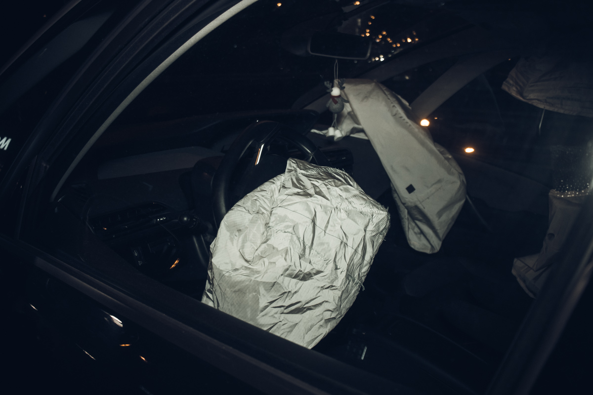 Навстречу Citroën вылетел Opel, зацепил его автомобиль и врезался в Mercedes Smart