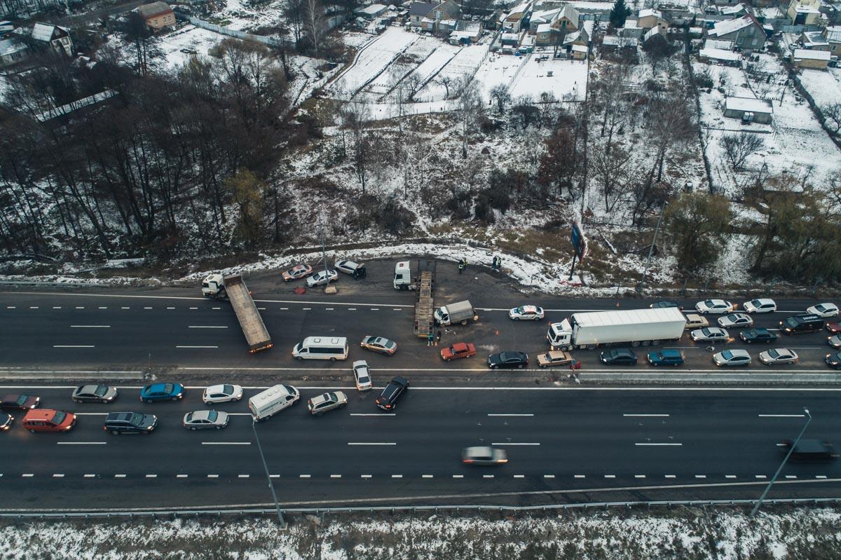 Из-за аварии на трассе в сторону Киева растянулась многокилометровая пробка