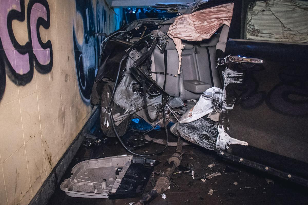 Место аварии сразу же оцепили прибывшие на место полицейские