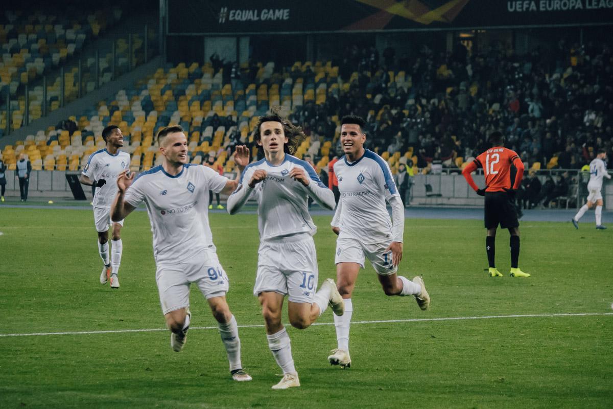 Шапаренко после забитого мяча показал фанатам, какой клуб №1