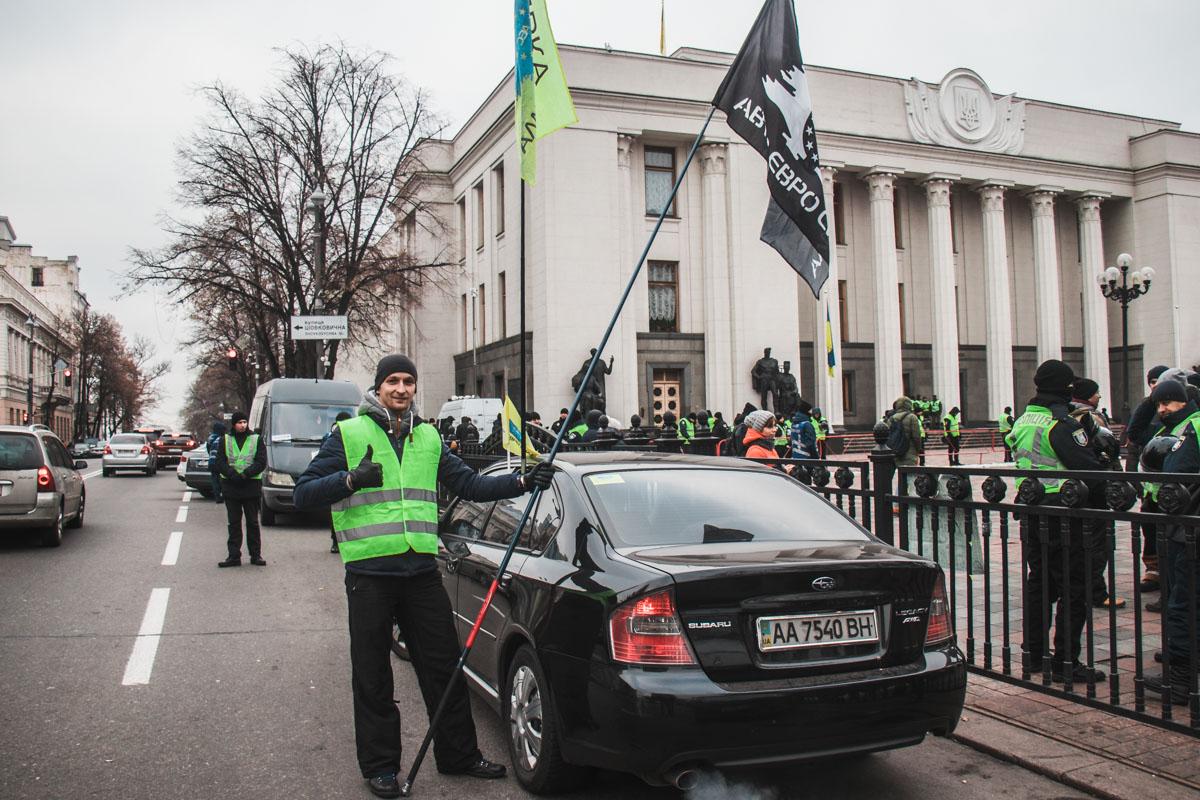 Евробляхеров поддержали и владельцы автомобилей на украинских номерах