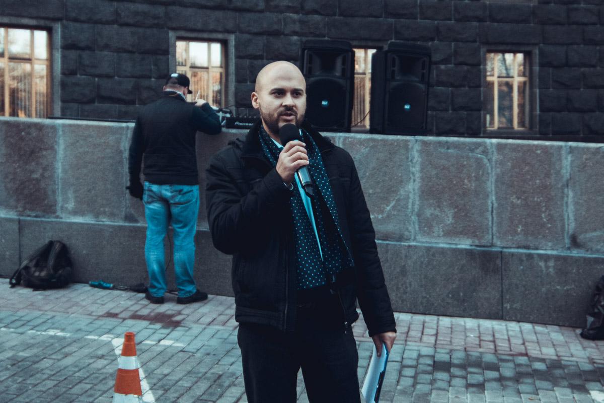 Участники акции протеста требовали от Владимира Гройсмана обратить внимание на противоправные действия по вырубке леса
