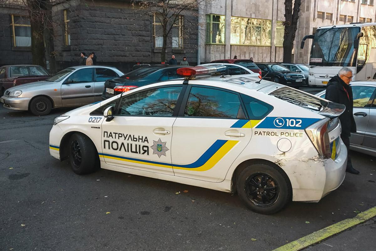 В среду, 7 ноября, владельцы авто на «евробляхах» заблокировали проезд в правительственном квартале
