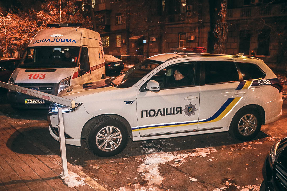 На месте работала патрульная полиция, медики и следственно-оперативная группа