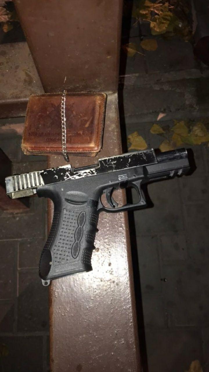 У задержанного изъяли оружие и передали на экспертизу